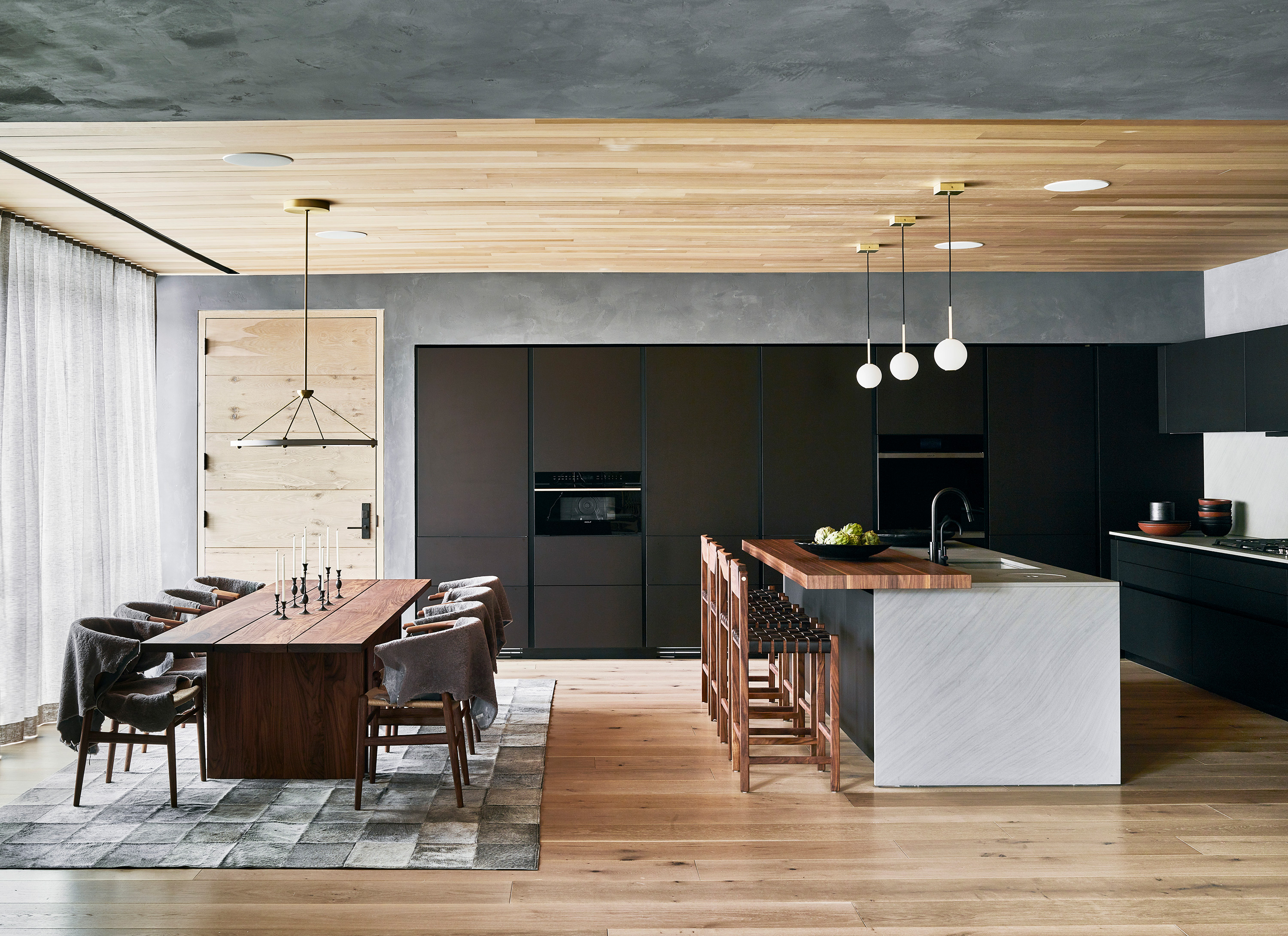 Taupo suite - dining and kitchen area