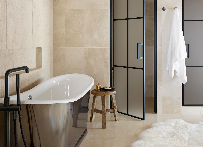 Valles Suite Bathroom - close-up of tub