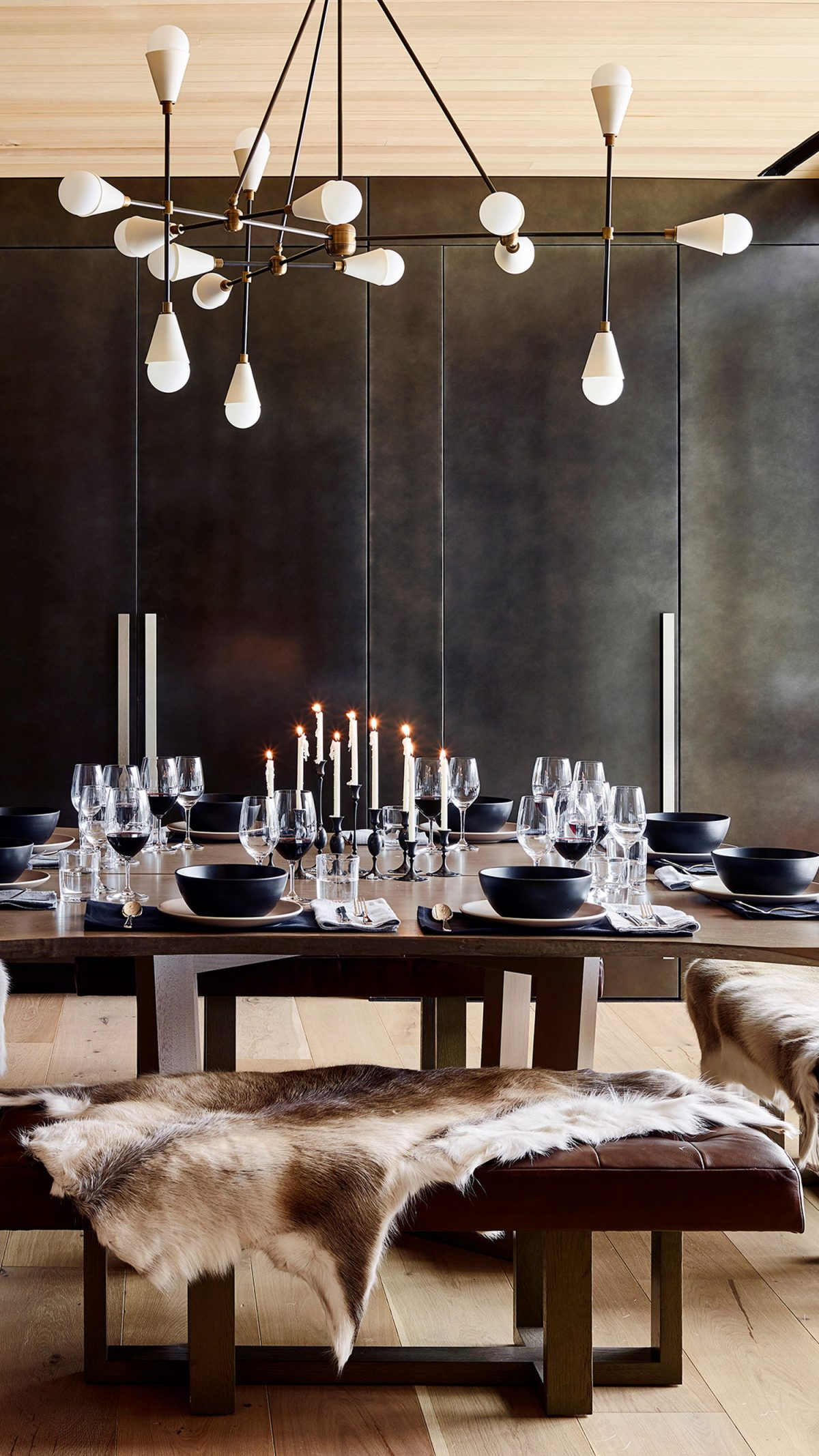 Valles suite - dining table