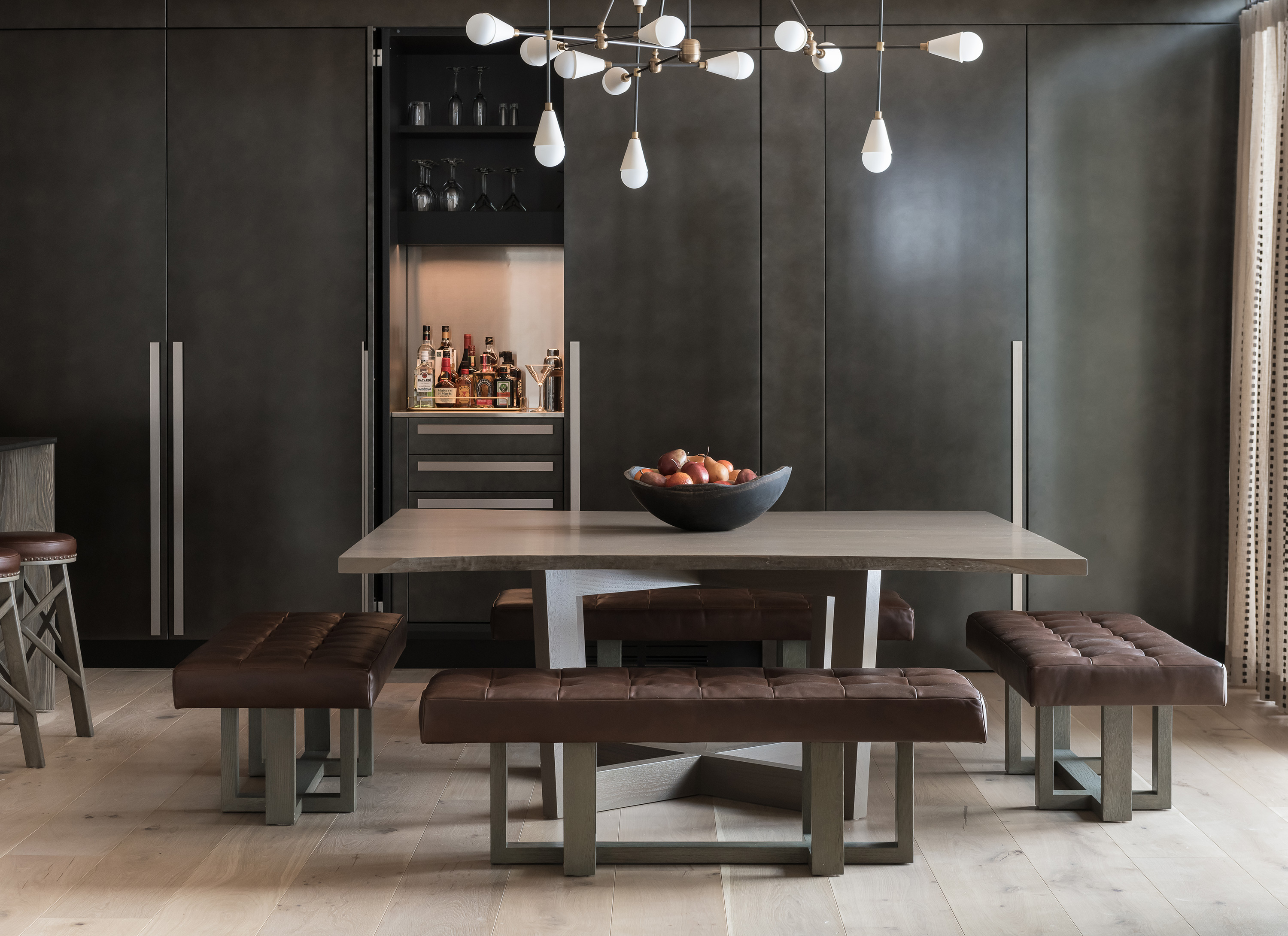 Valles Suite - Close-up of Dining Table