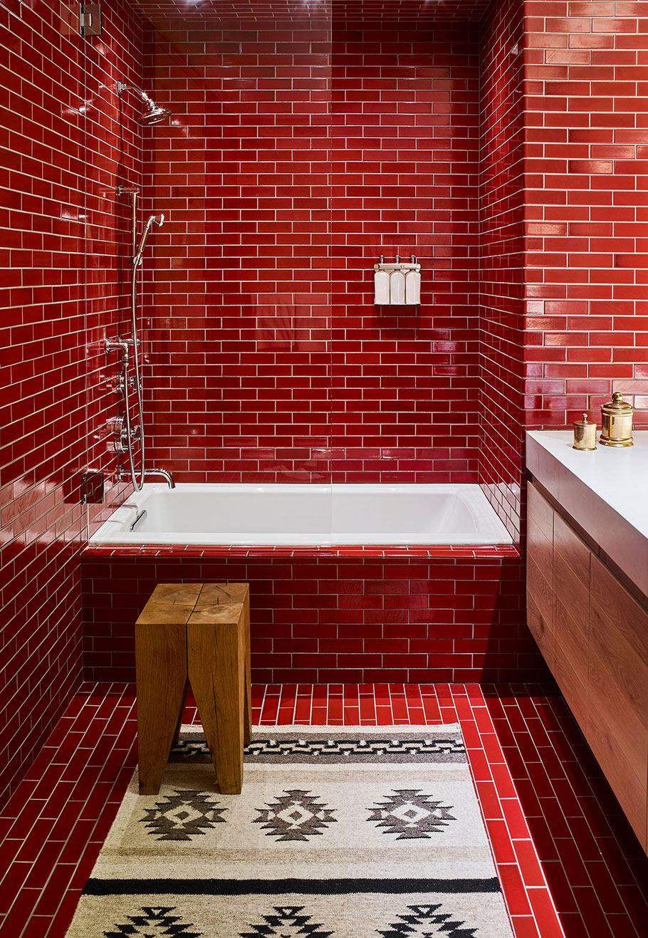 bathroom with red tiles - caldera house