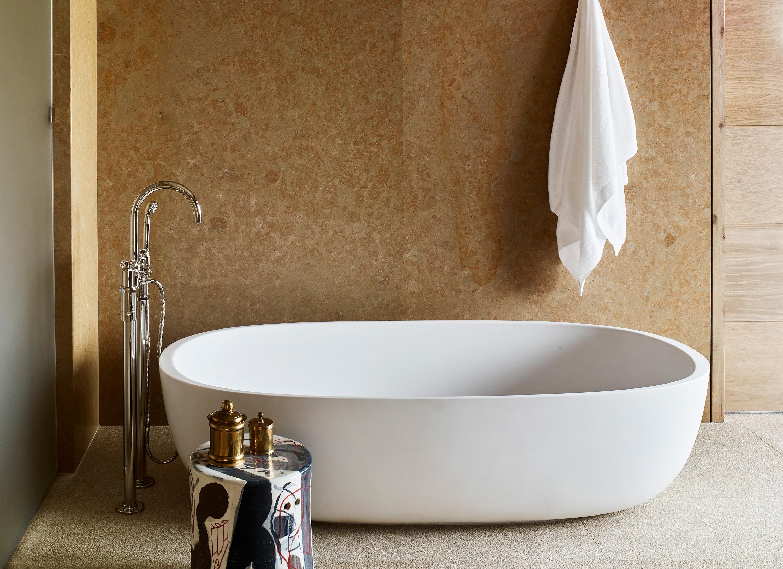 newberry suite bathtub