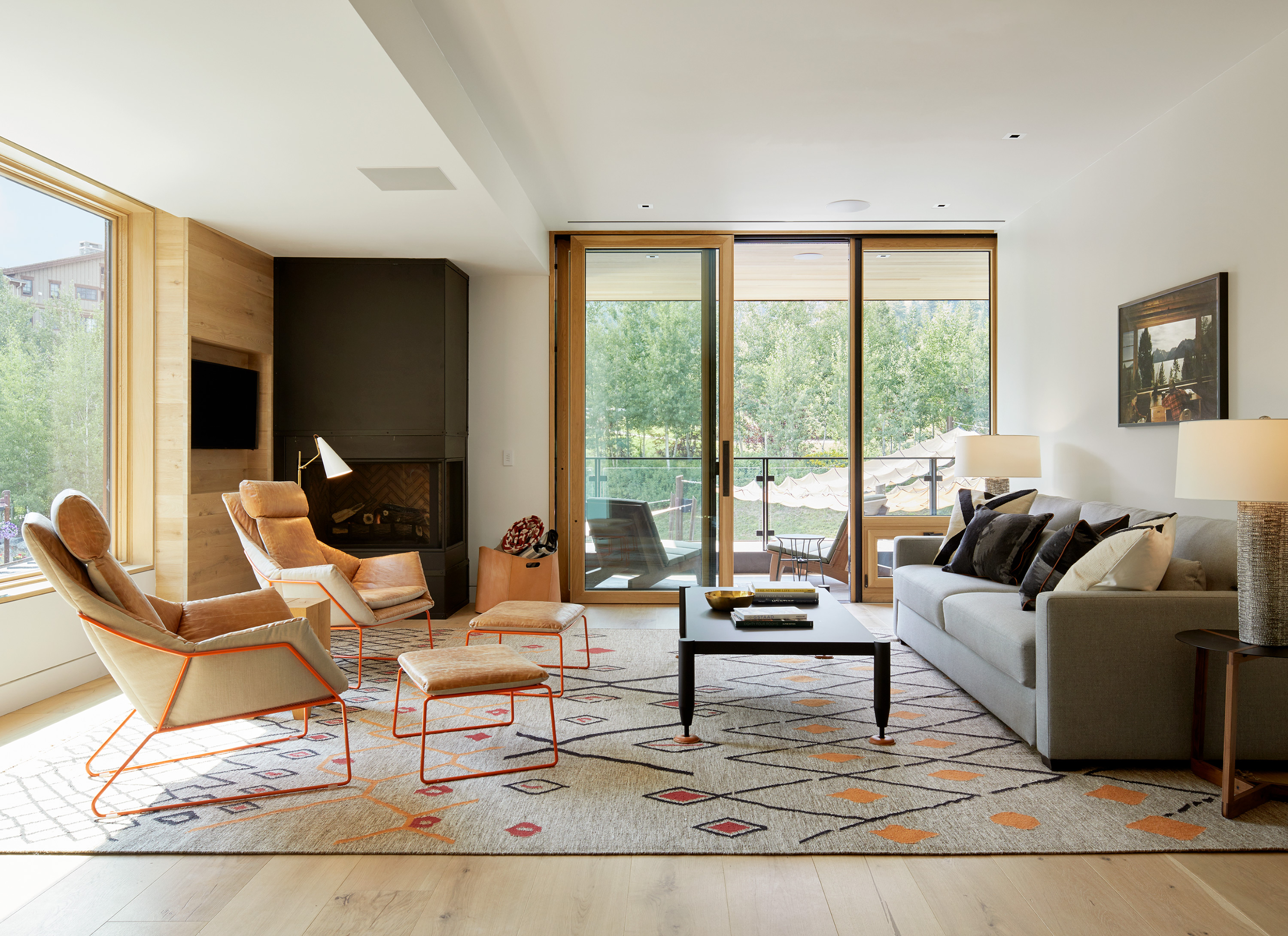 Yellowstone Suite - Living Room